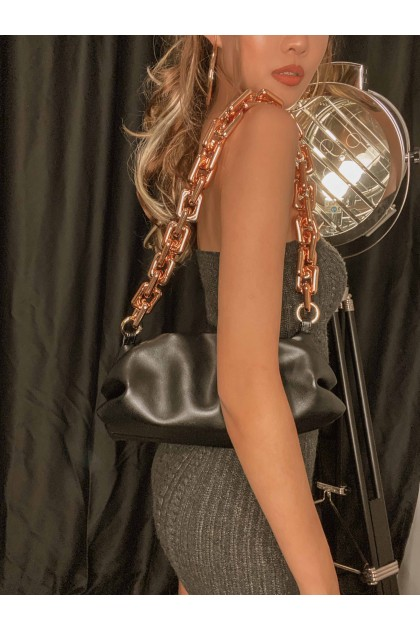 Zylie Chunky Chain Shoulder Bag in Black