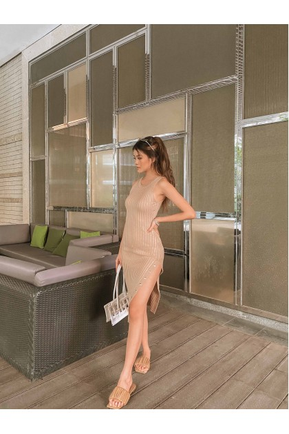 Delanay Ribbed Knit Dress in Nude