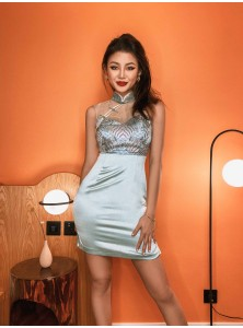 Muicca Embroidered Cheongsam in Mint